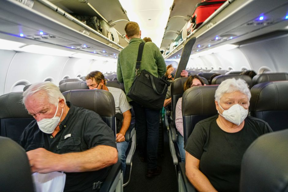 Study ensures that you must fly for 54 hours with a person with covid-19 to become infected The NY Journal
