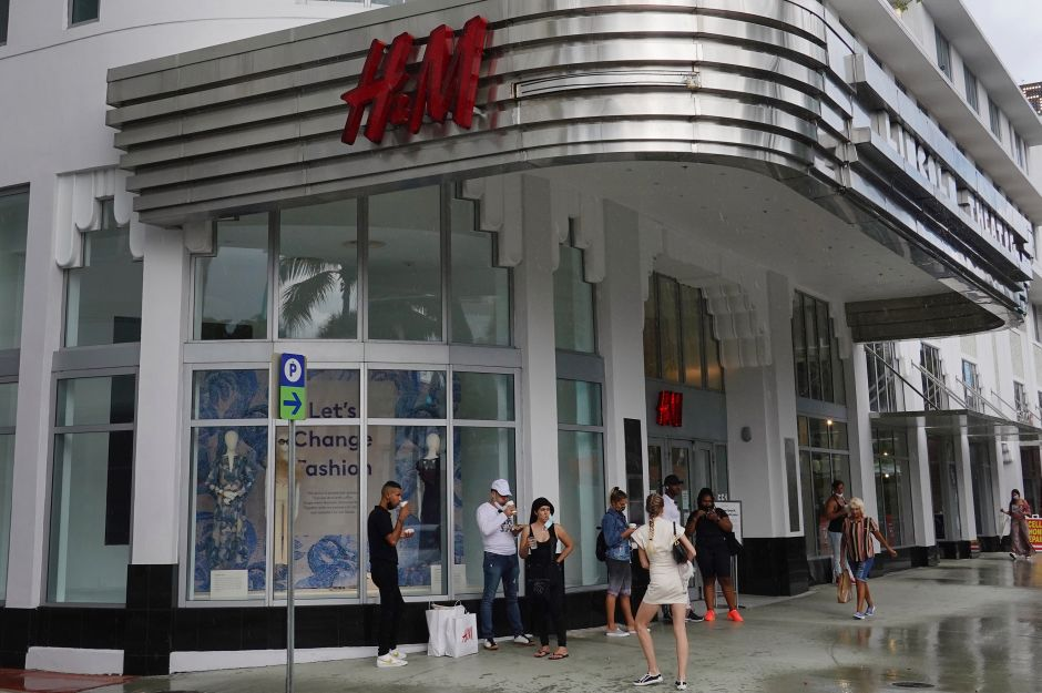 Swedish Fashion Retailer H&M Announces To Close 250 Stores Due to Coronavirus Pandemic | The NY Journal