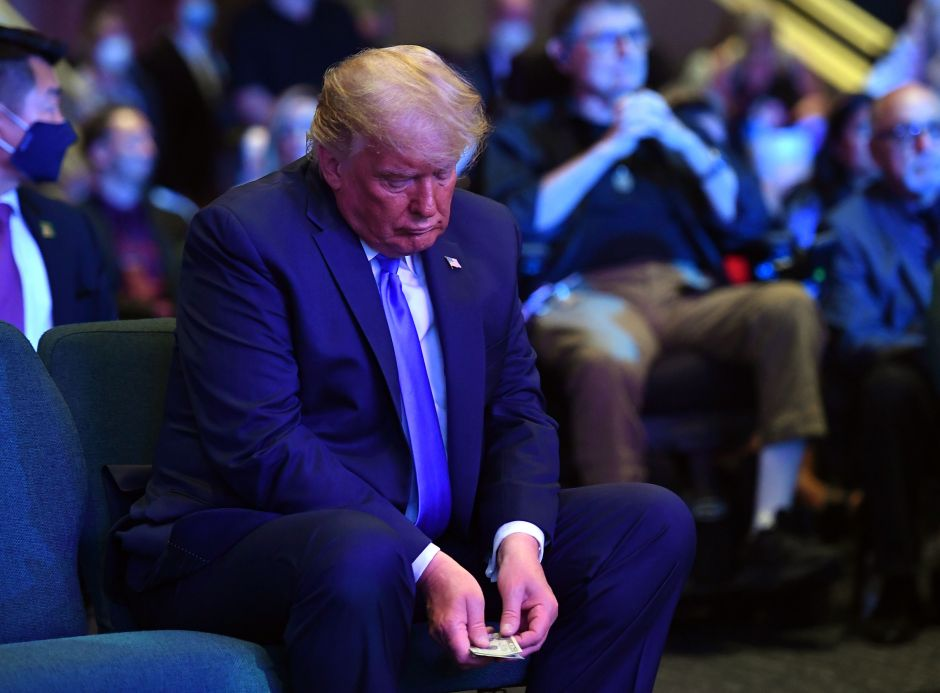 The photo of Trump in a church causing outrage | The NY Journal