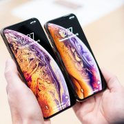 The rumor is confirmed, the new iPhones will no longer come with headphones or charging center | The NY Journal