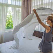 The serious mistake you make when changing the sheets on your bed | The NY Journal