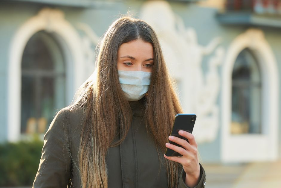 They reveal how long the coronavirus can remain on cell phones and bills   The NY Journal