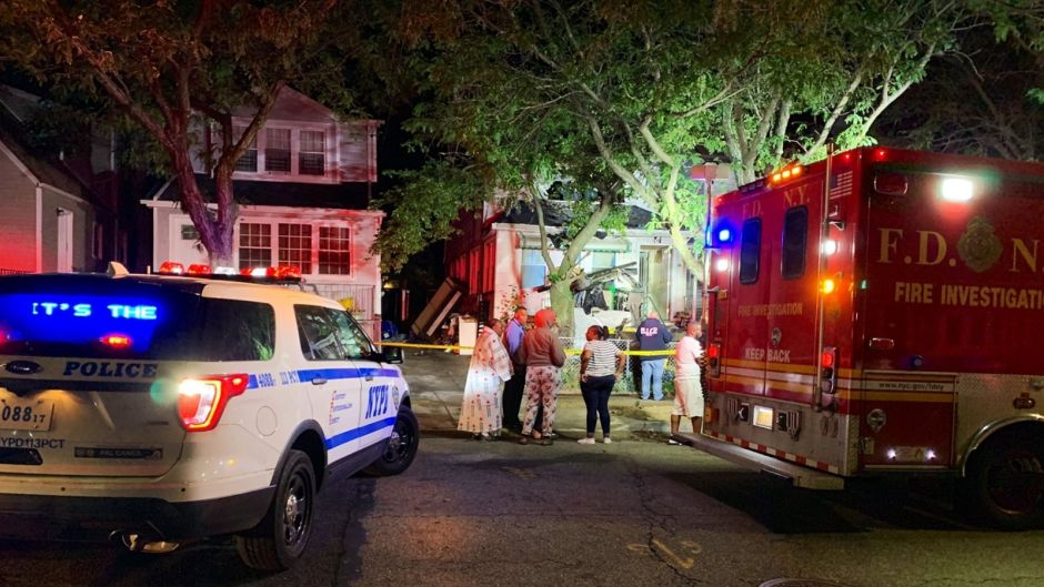 Three dead in brutal collision with tree in Queens: car caught fire | The NY Journal