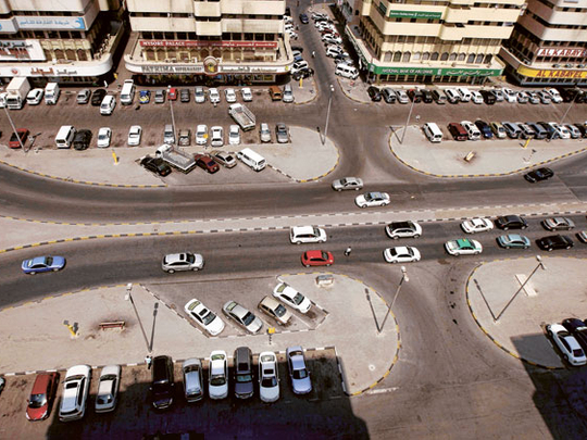 Two digital scanning vehicles to monitor public parking area launched in Sharjah