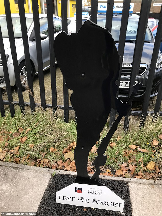 Vandals decapitate Watford statue for soldiers killed in WWI