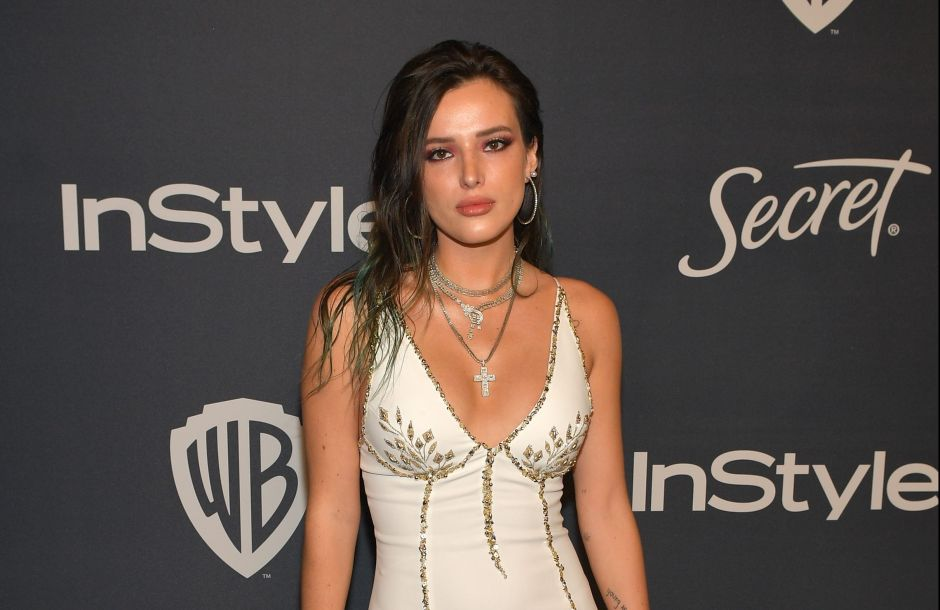 With a red latex bodysuit, Bella Thorne shows off her body and presents her costume for Halloween | The opinion
