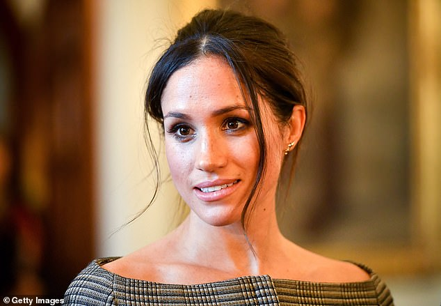 You Can Now Get Your Hair Styled By Meghan Markle And Lilly James Hairstylist At Home The State