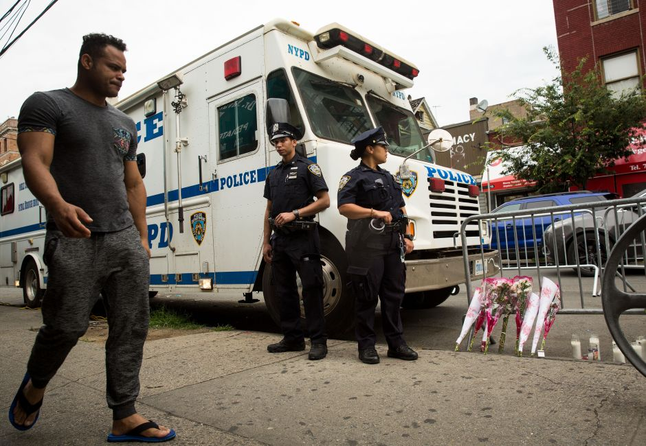 Young man defended himself from cell thief bites in broad daylight in New York | The NY Journal