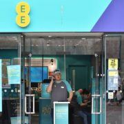 Mobile networks banned from selling locked phones