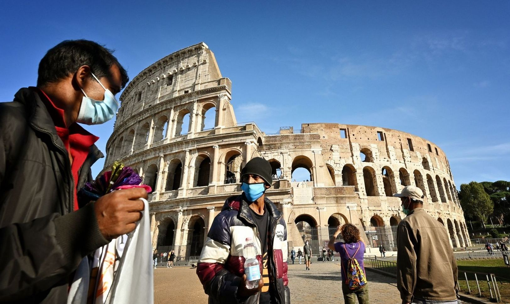 Italy: Over 5,000 infections daily. There will be new restrictions