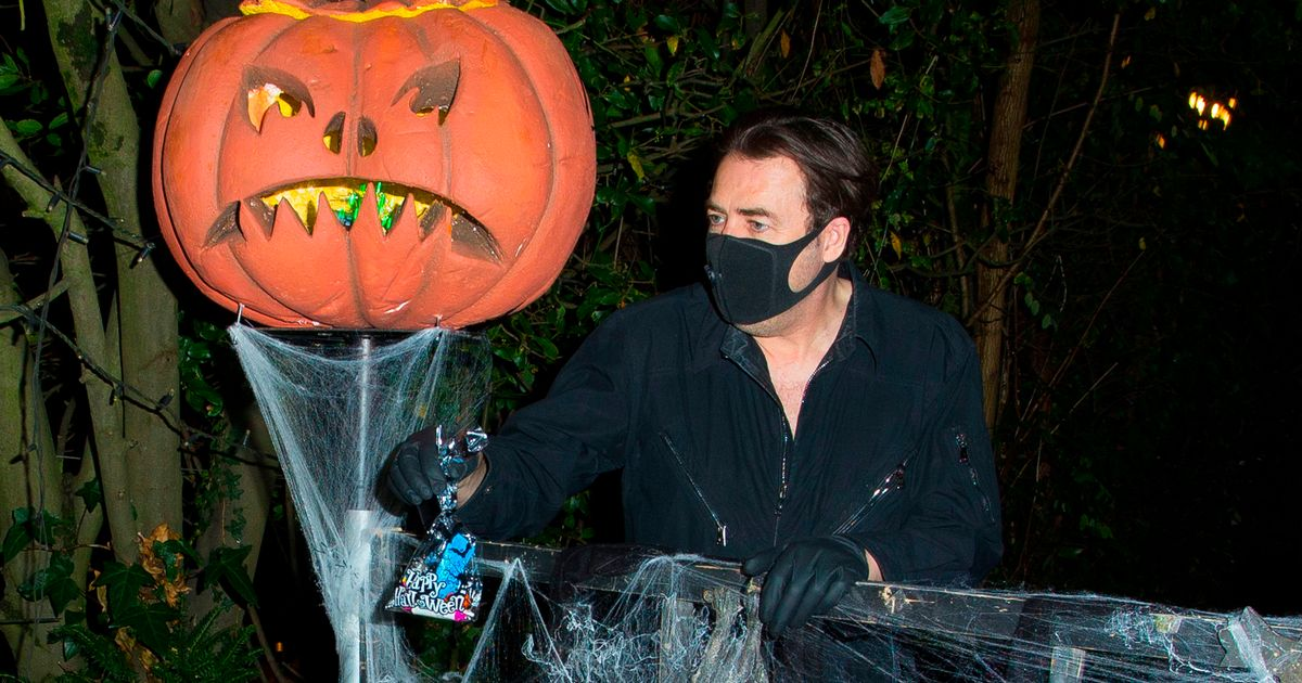 Jonathan Ross' toned down Halloween as annual star-studded bash is cancelled