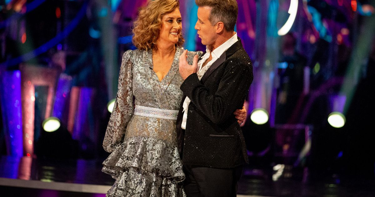 Strictly's Jacqui's pals defend her dancing after she's compared to party drunk