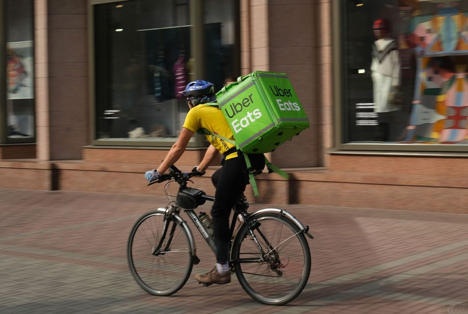 A credit card gives you FREE Uber Eats deliveries for a year | The NY Journal