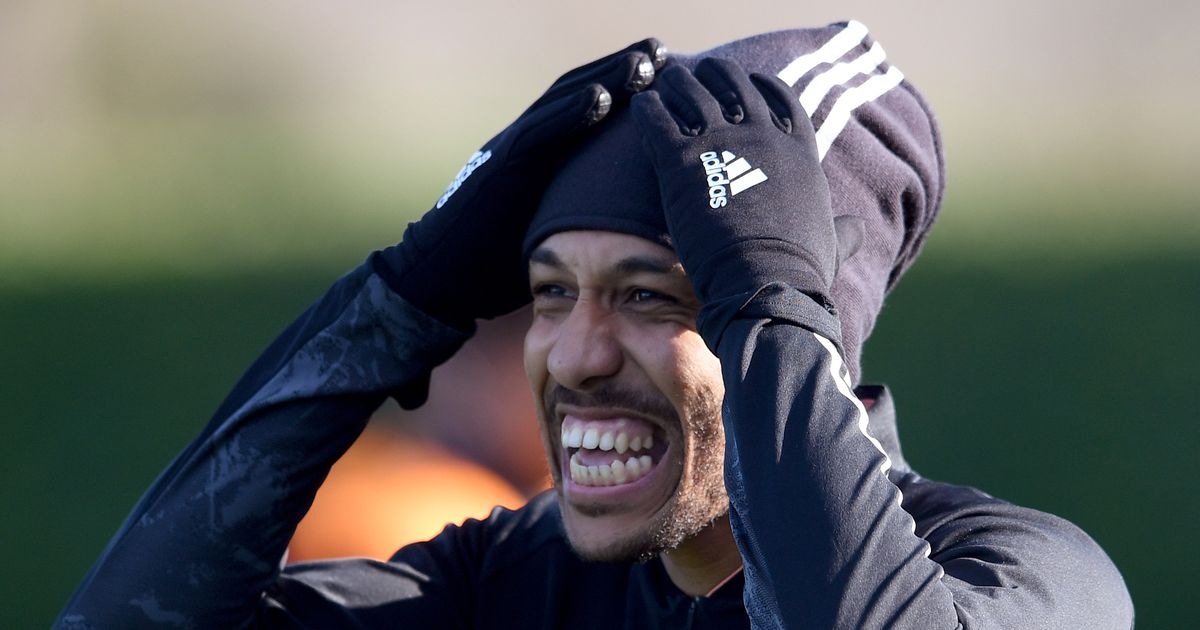 Aubameyang uses programme notes to single out 'unbelievable' Arsenal team-mate