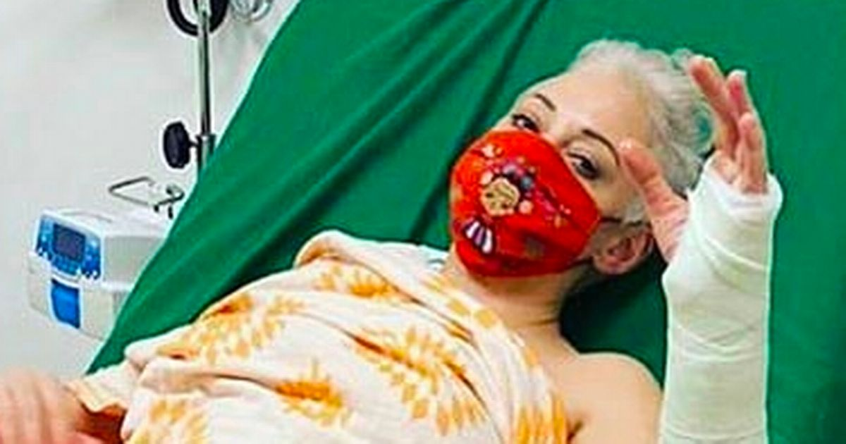Rose McGowan breaks arm in horror fall while checking US election results