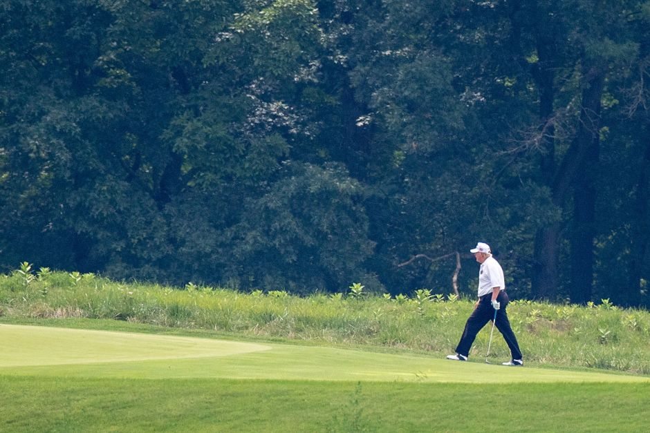 Trump is playing golf again. Still not recognizing Biden's victory | The NY Journal