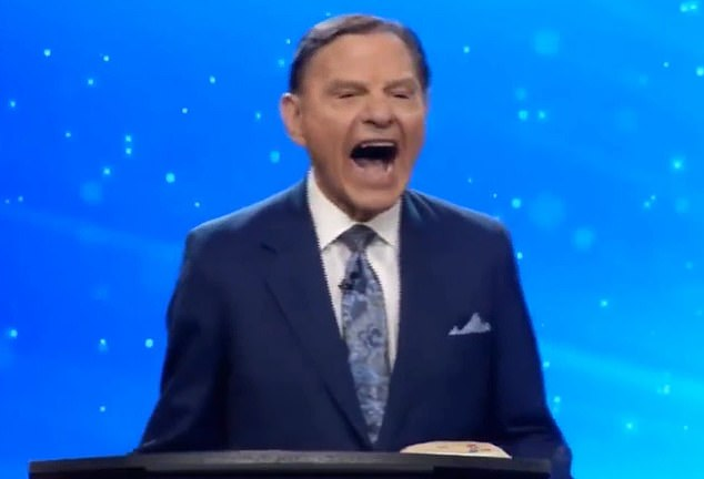 83-year-old preacher filmed during his Sunday service laughing for 40 seconds