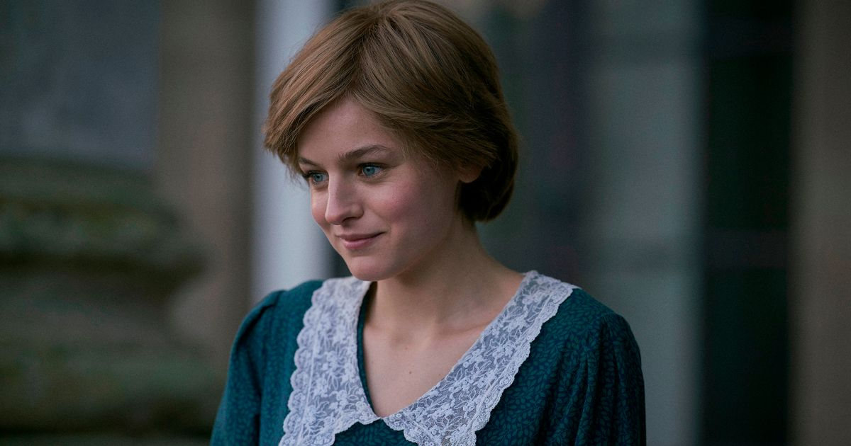 Emma Corrin begged The Crown writers to portray Princess Diana's bulimia battle