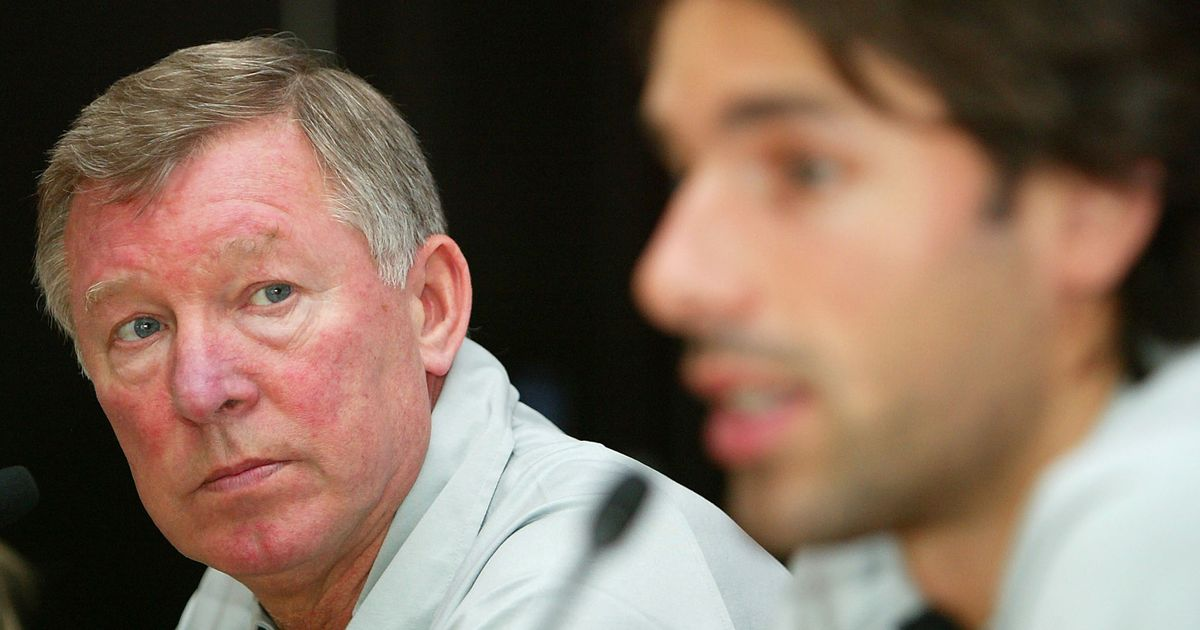 Alex Ferguson's fury after Van Nistelrooy swapped shirts with Man Utd rival