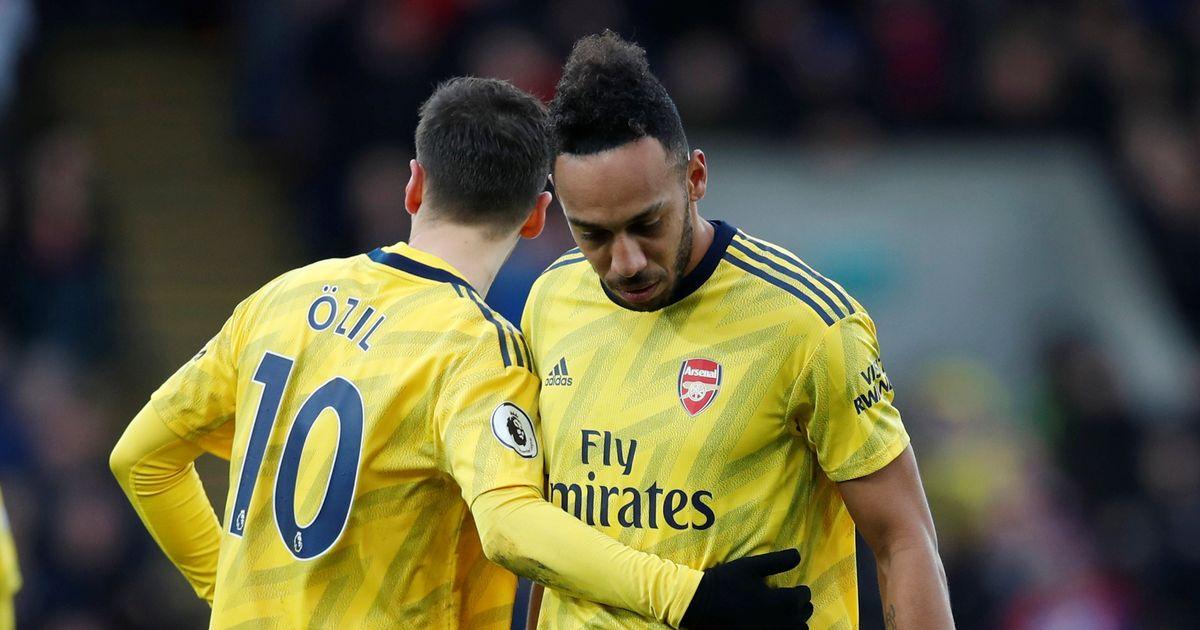 Mesut Ozil picks his side in Pierre-Emerick Aubameyang and Toni Kroos row