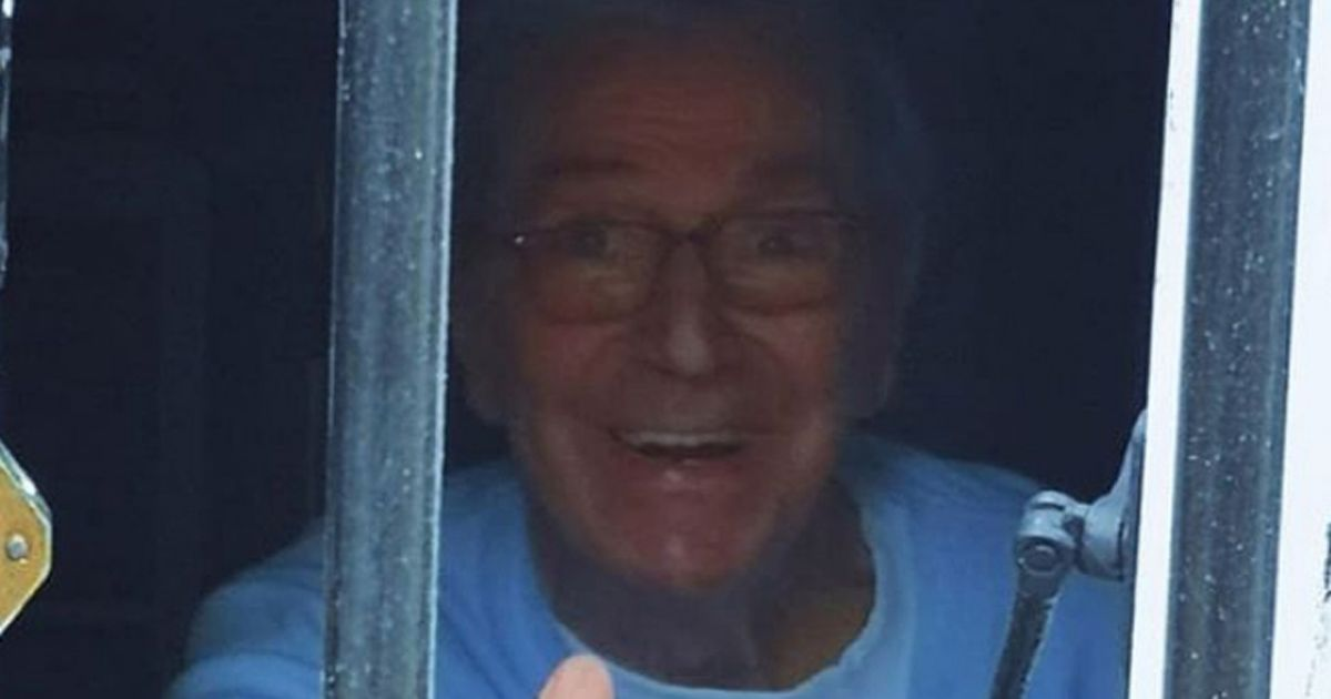 Des O'Connor's heartbreaking last picture as he waved to daughter through window