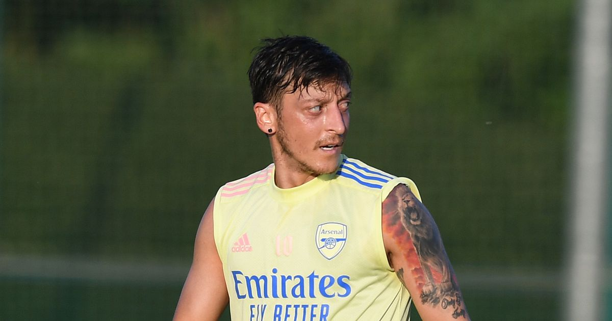 Toni Kroos dismisses Mesut Ozil's response to Aubameyang goal celebration row