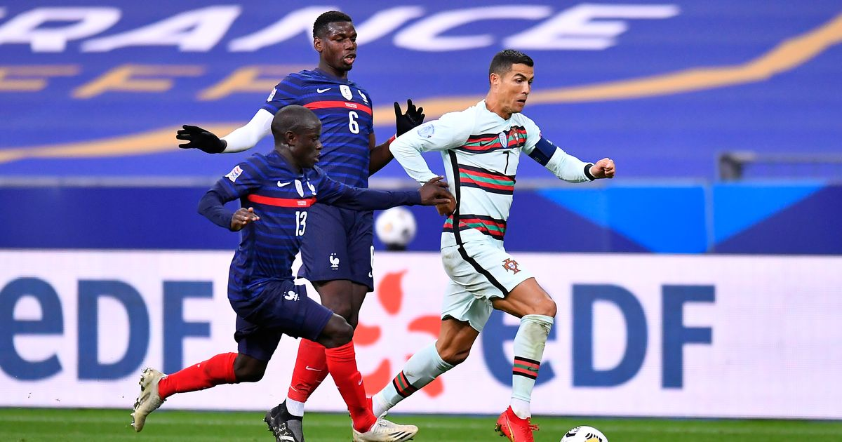 N'Golo Kante leaps to defence of Paul Pogba amid Man Utd star's struggles