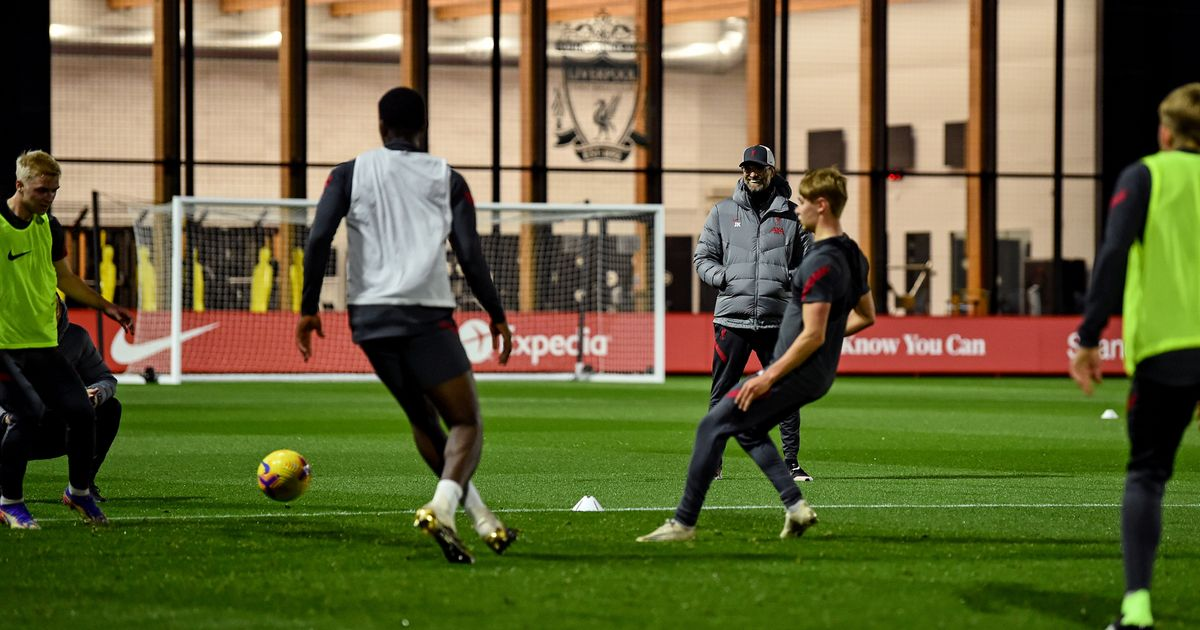 Eight Liverpool youngsters promoted to Klopp's first team amid injury crisis