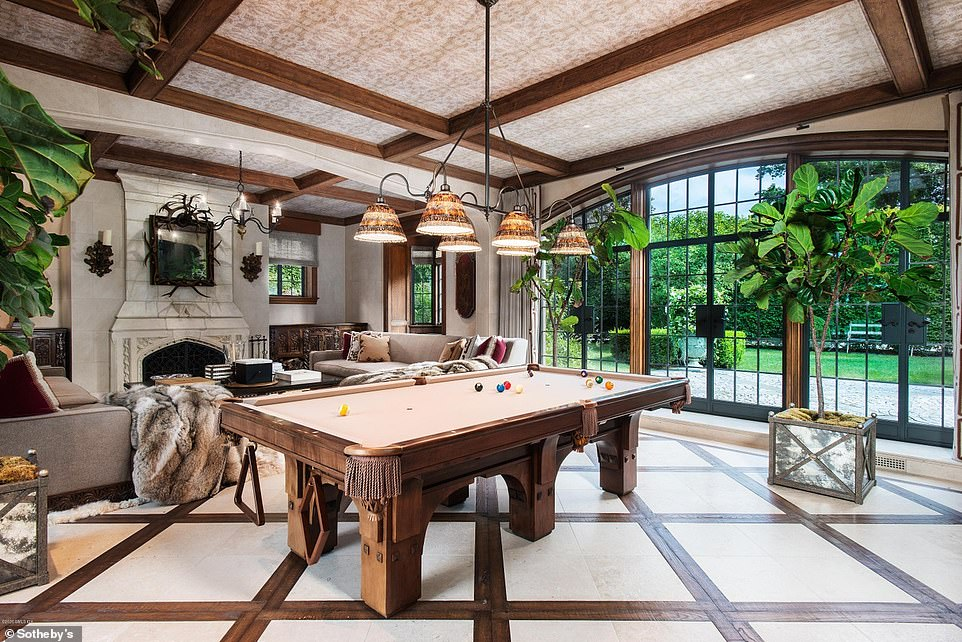 Activities: Guests can relax by the fire or play a game of billiards in the same room