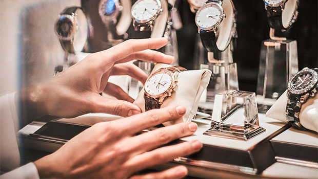 8 Watches That Look Like A Rolex But Are Under $100