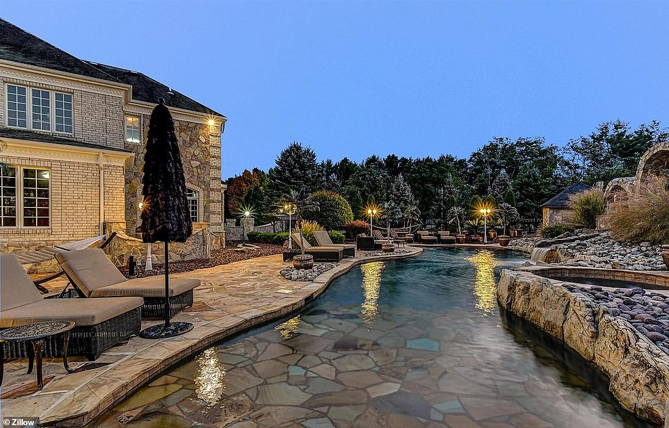 Must be nice! The heated pool in the backyard is lacking a Santa theme, but it's still a fantasy