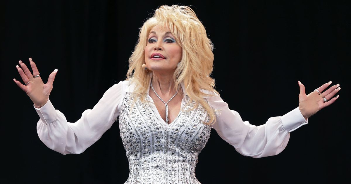 Dolly Parton says Elvis Presley dispute led her to 'cry all night' over decision