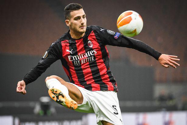 Diogo Dalot playing for Milan
