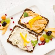 8 Healthy Snacks for Midnight Cravings Nutritionists Recommend | The State