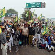 After night's halt, Punjab farmers resume march towards Delhi