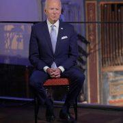 Biden: I won't have Bernie Sanders, Elizabeth Warren in my Cabinet because I need them in the Senate
