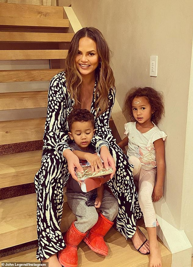 Chrissy Teigen is on a 'crusade' to 'normalize formula'