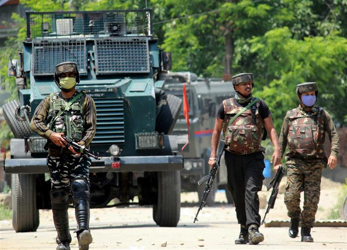 Encounter breaks out between militants, security personnel in south Kashmir