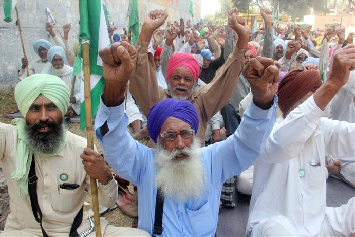 Farm unions allow all trains to pass through Punjab for 15 days from Nov 23