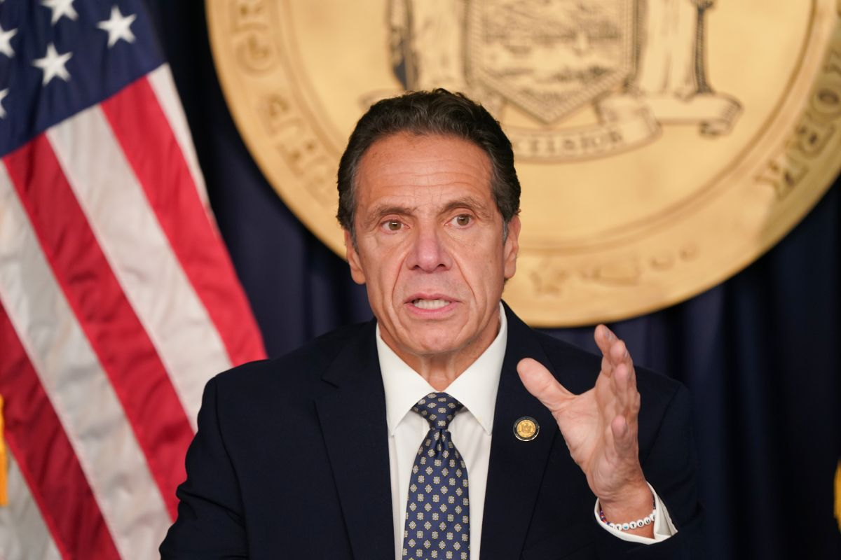 Governor orders bars and restaurants to close at night to stop second wave of COVID-19 in New York | The State