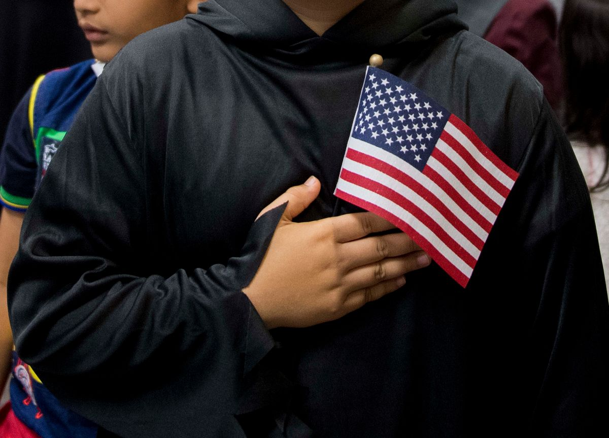 Green card holders must rush their citizenship applications | The State