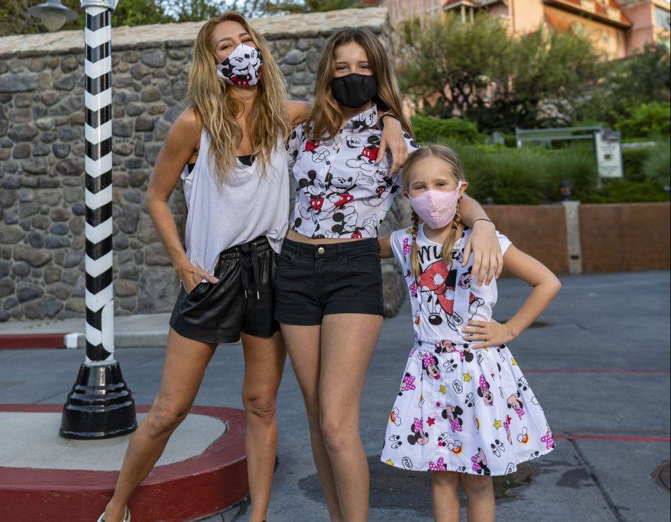 Happy and full, Geraldine Bazán and her daughters enjoyed Disney World to the fullest   The NY Journal