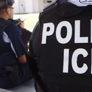 ICE would search for undocumented immigrants through their cell phones | The opinion