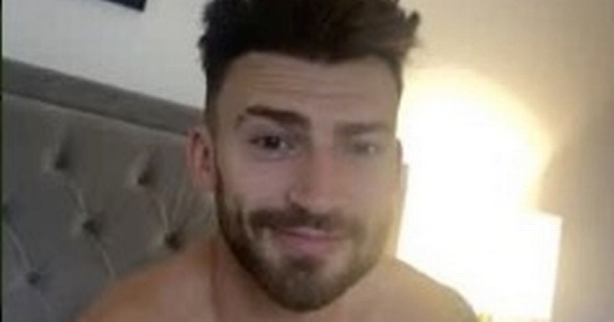 Jake Quickenden drops fans jaws by charging £14 for topless messages on Cameo