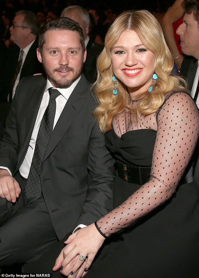Kelly Clarkson appears to hint at what led to her divorce from Brandon Blackstock