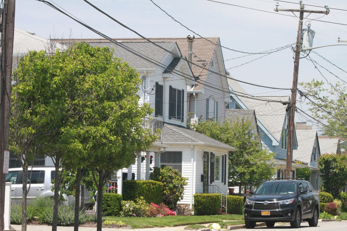 Man set fire to his house to avoid turning himself in to the police in New York | The State