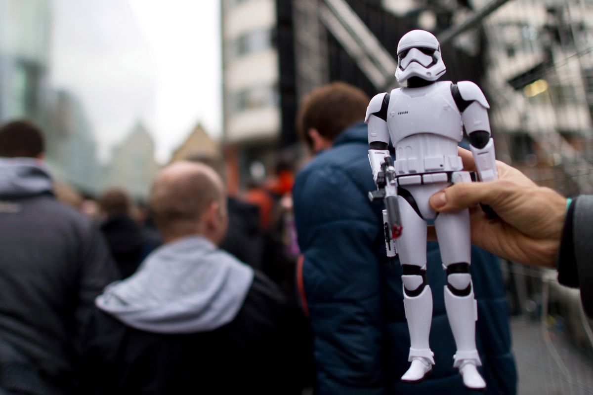 """May """"luck"""" be with you! A collection of Star Wars figures sells in the UK for more than half a million dollars   The State"""