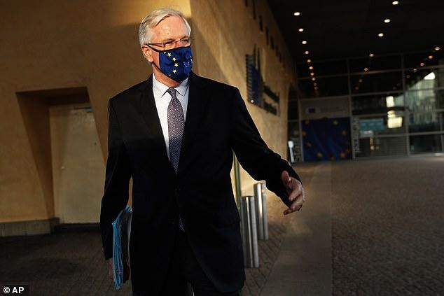 Michel Barnier 'blocks UK demands for politicians to take over trade talks'