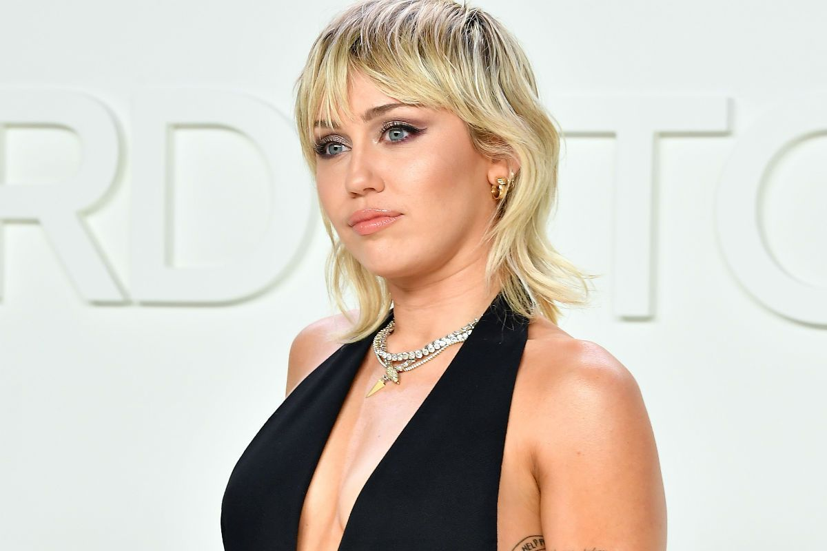 "Miley Cyrus breaks the ""curse of 27"" celebrating two weeks of sobriety after a recent relapse 