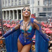 Minidress and transparencies, Anitta's sensual tribute to Kim Kardashian | The NY Journal